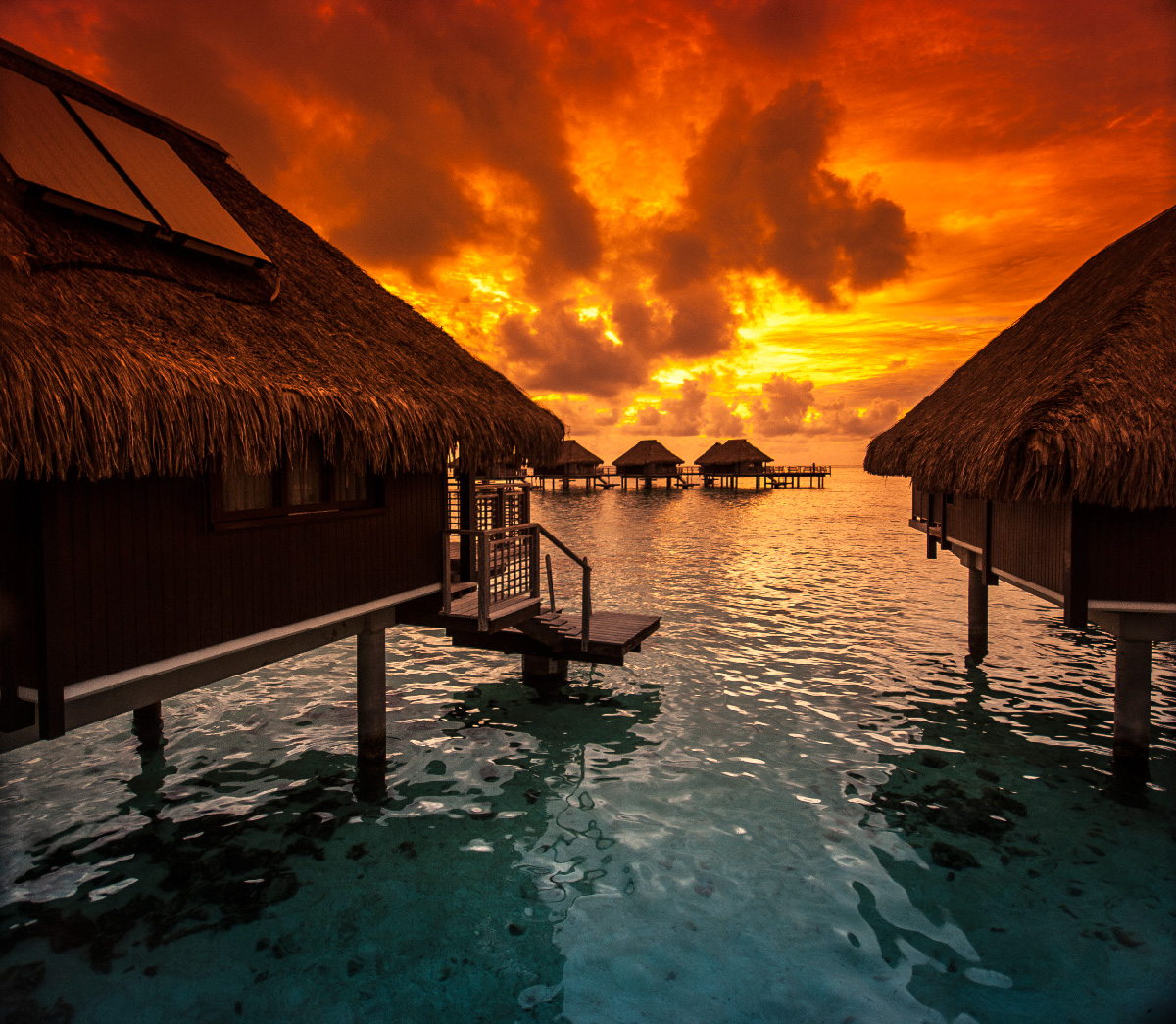 Brilliant sun display from Hilton Moorea, Tahiti