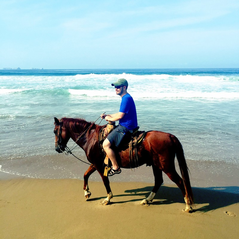 mike-vagabondish-horseback-ride-beach-playa-larga-zihuatanejo-mexico-IMG_3139