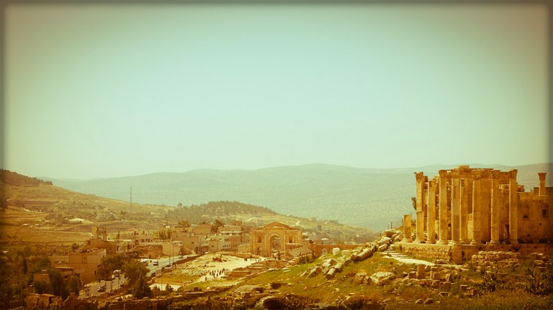 Sweeping view of Jerash