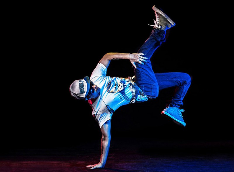 breakdance-misfit-wearables-shine-wearable-activity-monitor