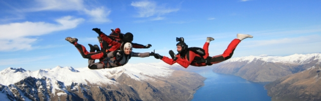 Why not skydive in New Zealand on your gap year?