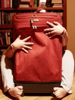 8 Essential Tips to Master the Art of Traveling Lightly