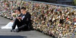 Paris ends relationship with 'love locks'